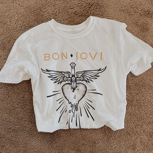 Tops - Bon Jovi Graphic tee 🎸